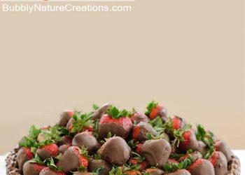 Chocolate Strawberry Cake! {w/ Kit Kat rim}