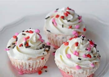 Ice Cream Cupcakes! {Pretty in Pink}