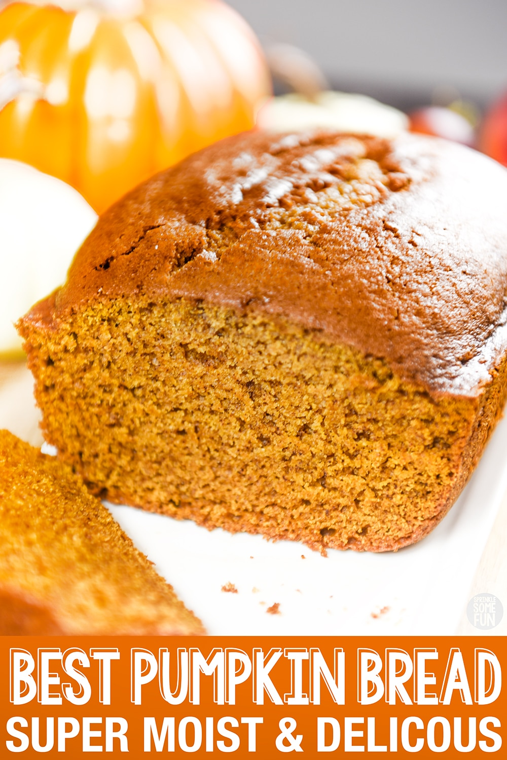This recipe for pumpkin bread is made with warm spices and sweet pumpkins. It makes the best pumpkin bread that is always super moist. #pumpkinbread #pumpkin #dessert #pumpkinloaf#pumpkinspice #bread #quickbread #easybread #easypumpkinbread #pumpkinbreadgift #moistpumpkinbread