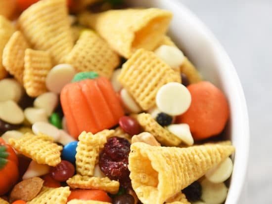Fall Snack Mix for Thanksgiving