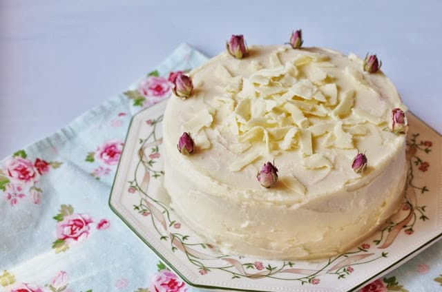 Rose Cake with White Chocolate Frosting