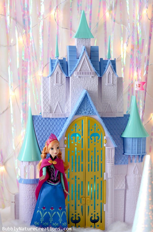 Disney FROZEN Anna and Castle