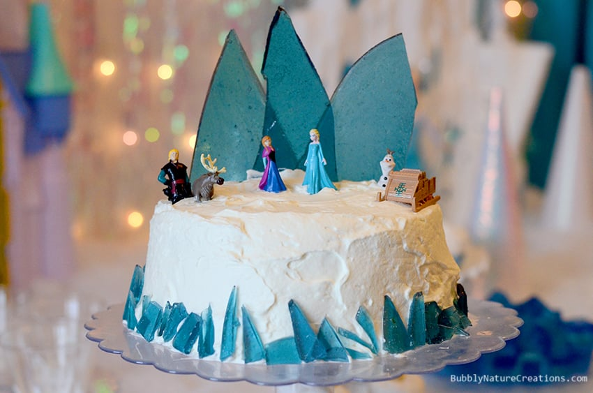 Disney Frozen Party! The Ultimate FROZEN party full of the best ideas! Includes Frozen cake, Frozen recipes and Frozen activities!   The Frozen cake and Olaf donuts are amazing!   #FrozenFun, #shop, #cbias