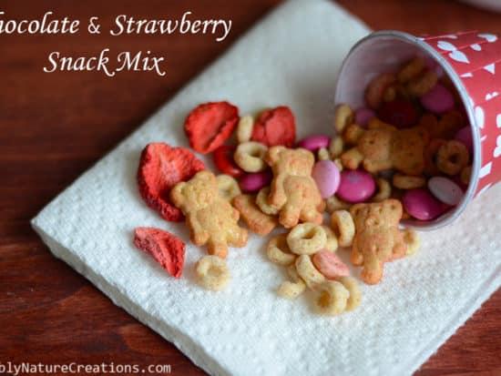 Chocolate and Strawberry Snack Mix! {Valentine}