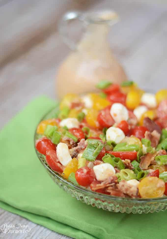 Fresh Tomato Bacon Salad with Creamy Tomato Bacon Vinaigrette! Beautiful summer salad with sweet tomatoes, bacon, cheese and a tangy dressing. #WalmartProduce #ad
