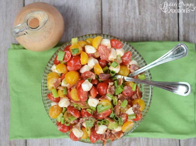 Fresh Tomato Bacon Salad with Creamy Tomato Bacon Vinaigrette! Beautiful summer salad with sweet tomatoes, bacon, cheese and a tangy dressing!  #WalmartProduce #ad