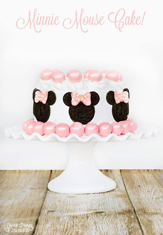 Minnie-Mouse-Cake-Made-with-Oreos-and-Gumballs-So-cute9 copy