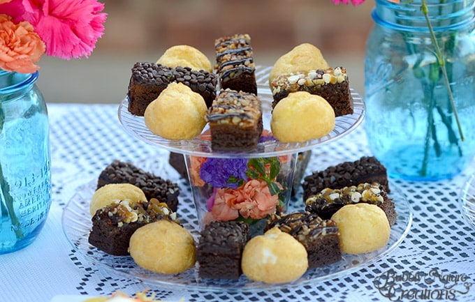 Dessert Tray!  Make this fun dessert tray using plastic plates, cups and fresh flowers... so pretty!