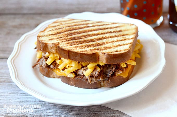 Grilled Mac and Cheese with Barbecue Beef! Yum!  #CollectiveBias #RollIntoSavings #shop