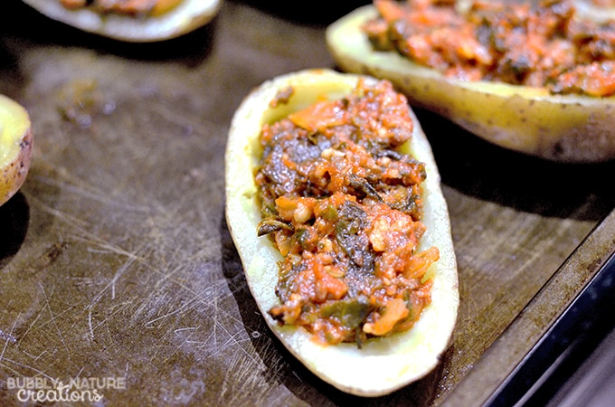 Tuscan Style Sausage Potato Skins with Ragu Sauce! #ad #NewTraDish