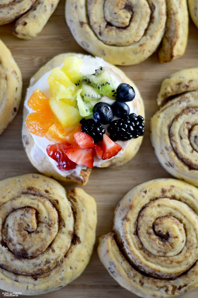 Cinnamon Roll Rainbow Fruit Pizzas!! Easy St. Patrick's Day or Breakfast Idea