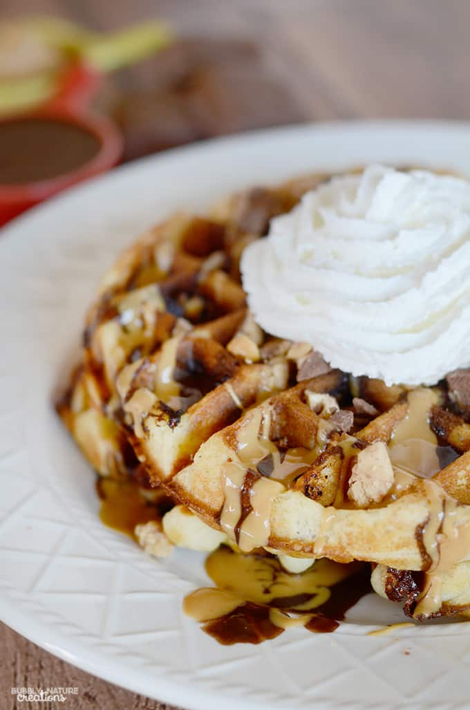 Snickers Peanut Butter Dessert Waffles! Easy dessert recipe!