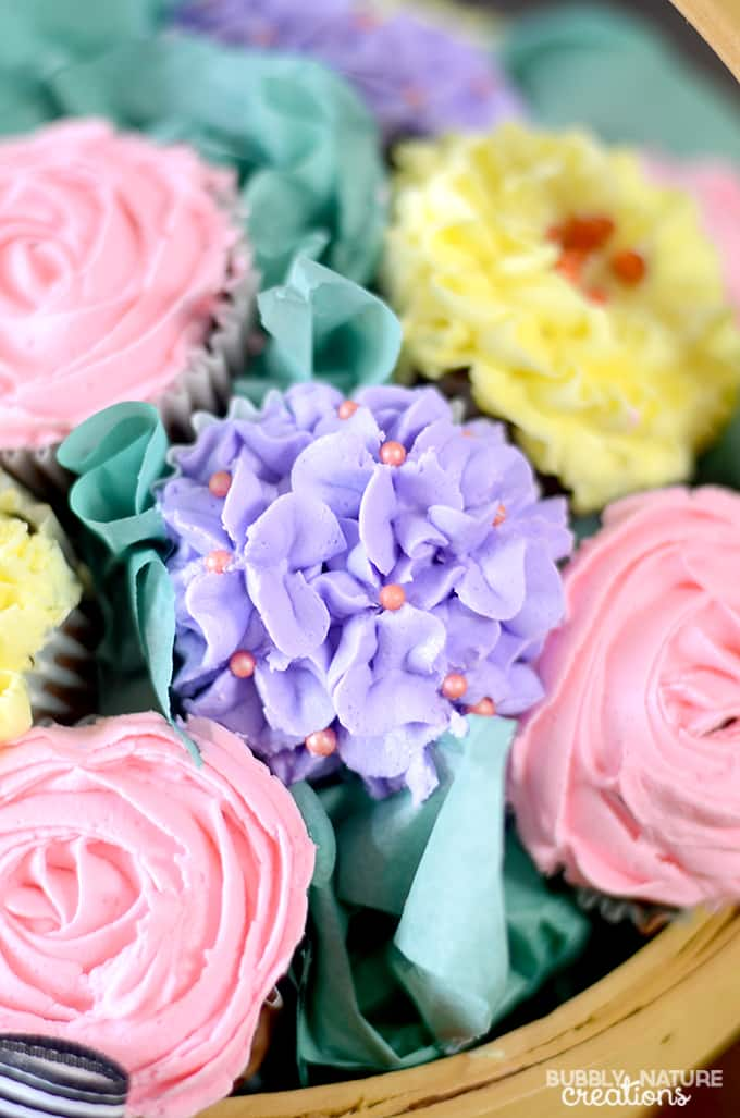 Cupcake Bouquet Basket!!!  Such a pretty Mother's Day gift idea or beautiful party centerpiece!