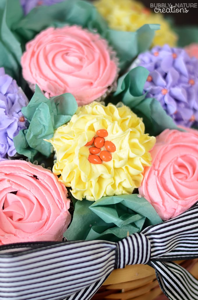 Cupcake Bouquet Basket!  Such a pretty gift idea or beautiful party centerpiece!