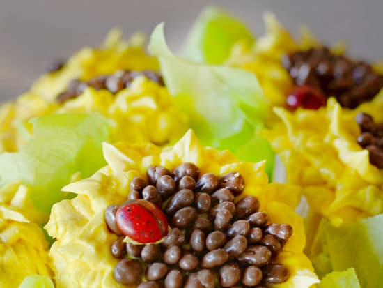 Sunflower Cupcakes & Video Tutorial