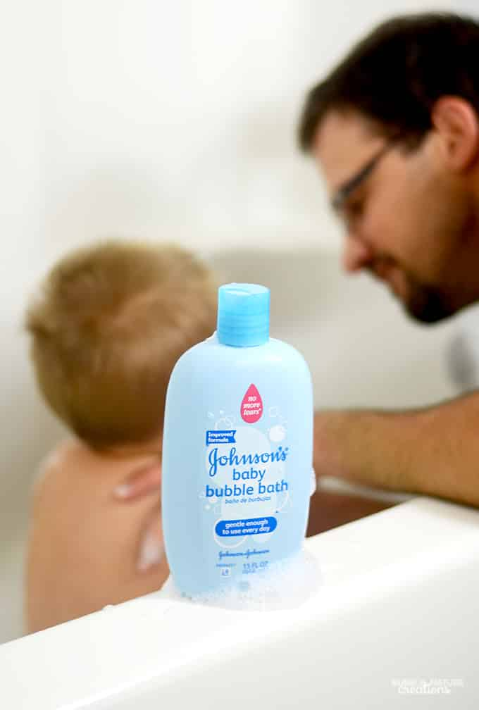 Daddy and Baby Bathtime Bonding with Johnsons Baby Bubble Bath!!