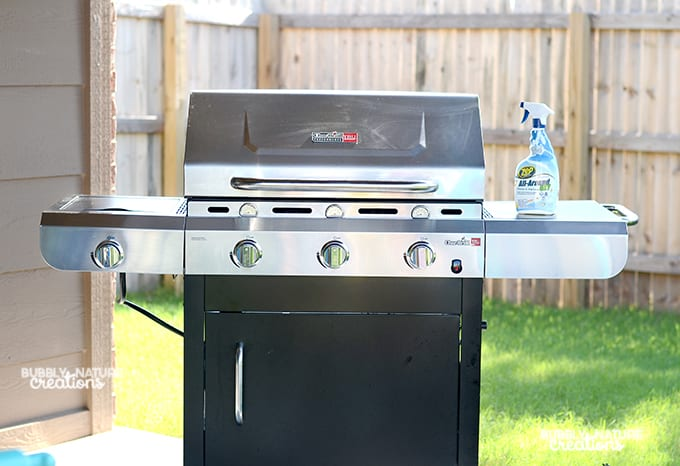 How to Quickly Clean Grease off the Grill!!