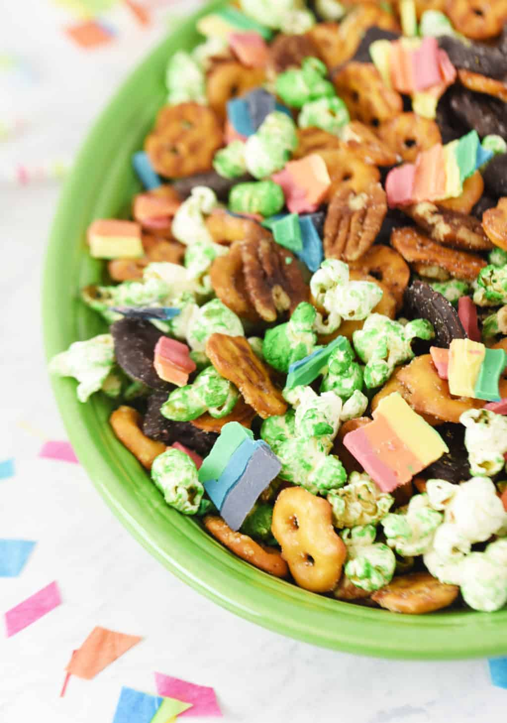 Rainbow St. Patrick's Day Snack Mix.!! Such a fun and delicious snack mix for St. Patrick's Day!