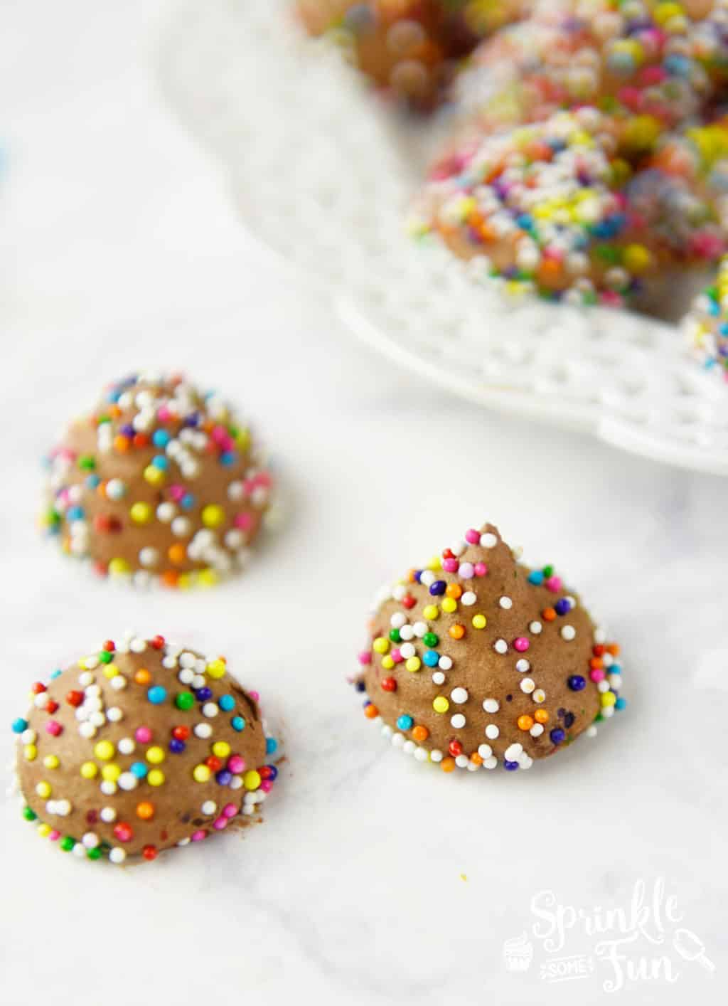Frozen Chocolate Mousse Kisses!