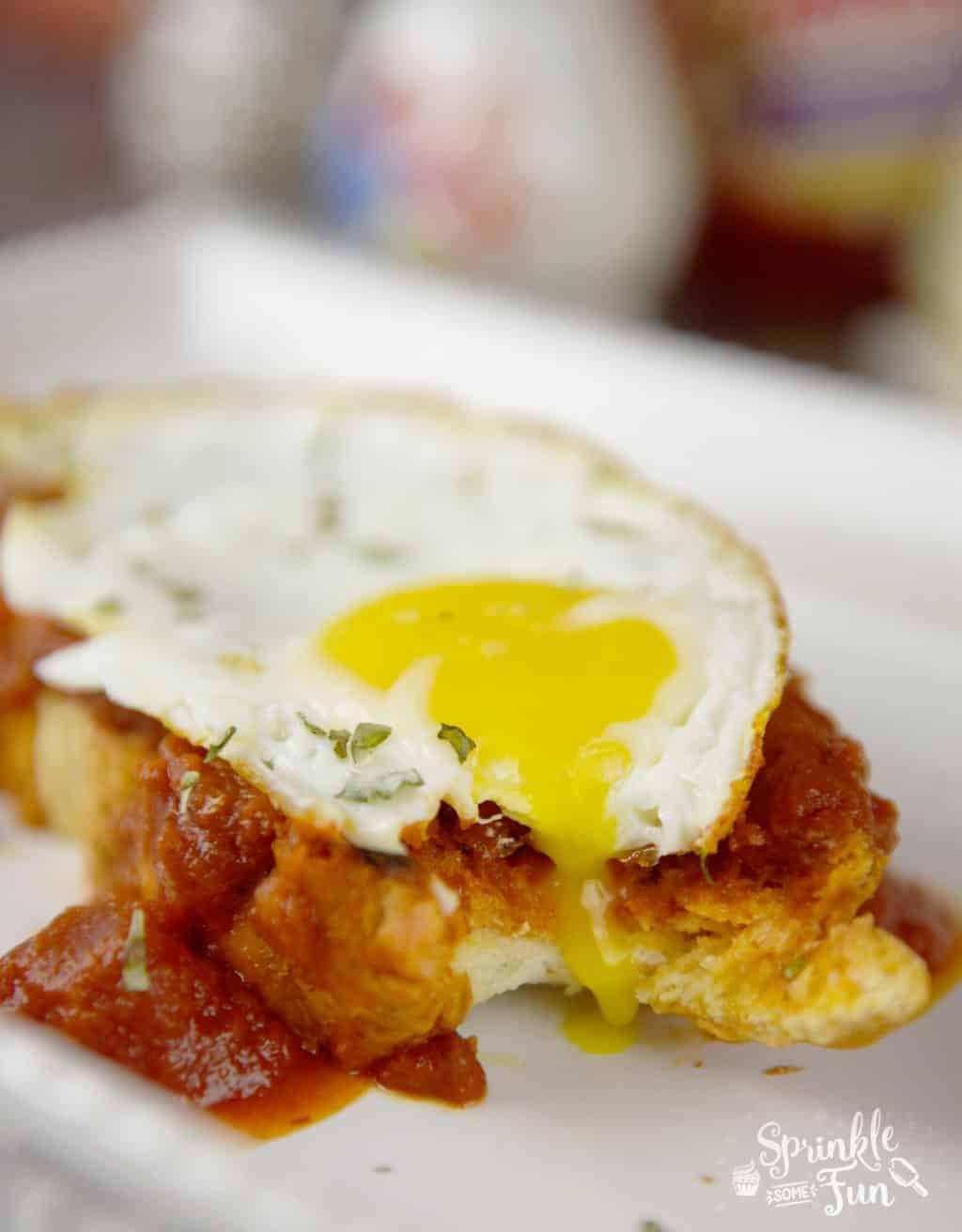 Italian Breakfast Toast! Change breakfast up with an Italian twist on toast and eggs!