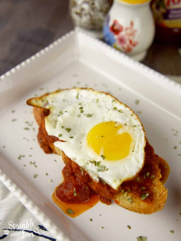 Italian Breakfast Toast!!! Change breakfast up with an Italian twist on toast and eggs!