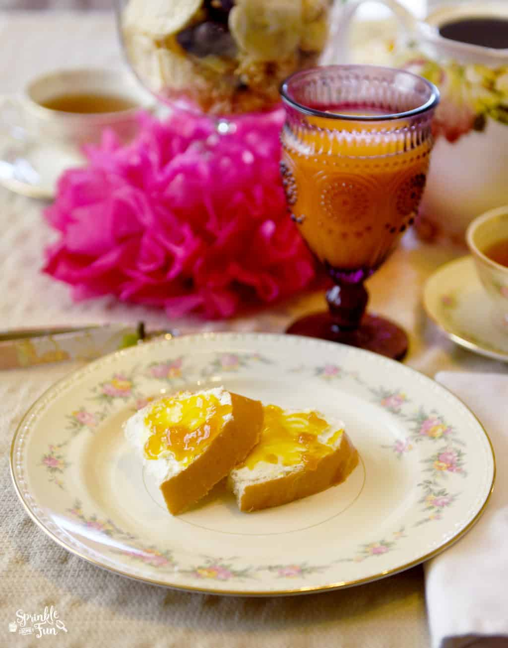 Mother's Day Brunch Ideas!! Toast with Cream Cheese and Tropical Jam!