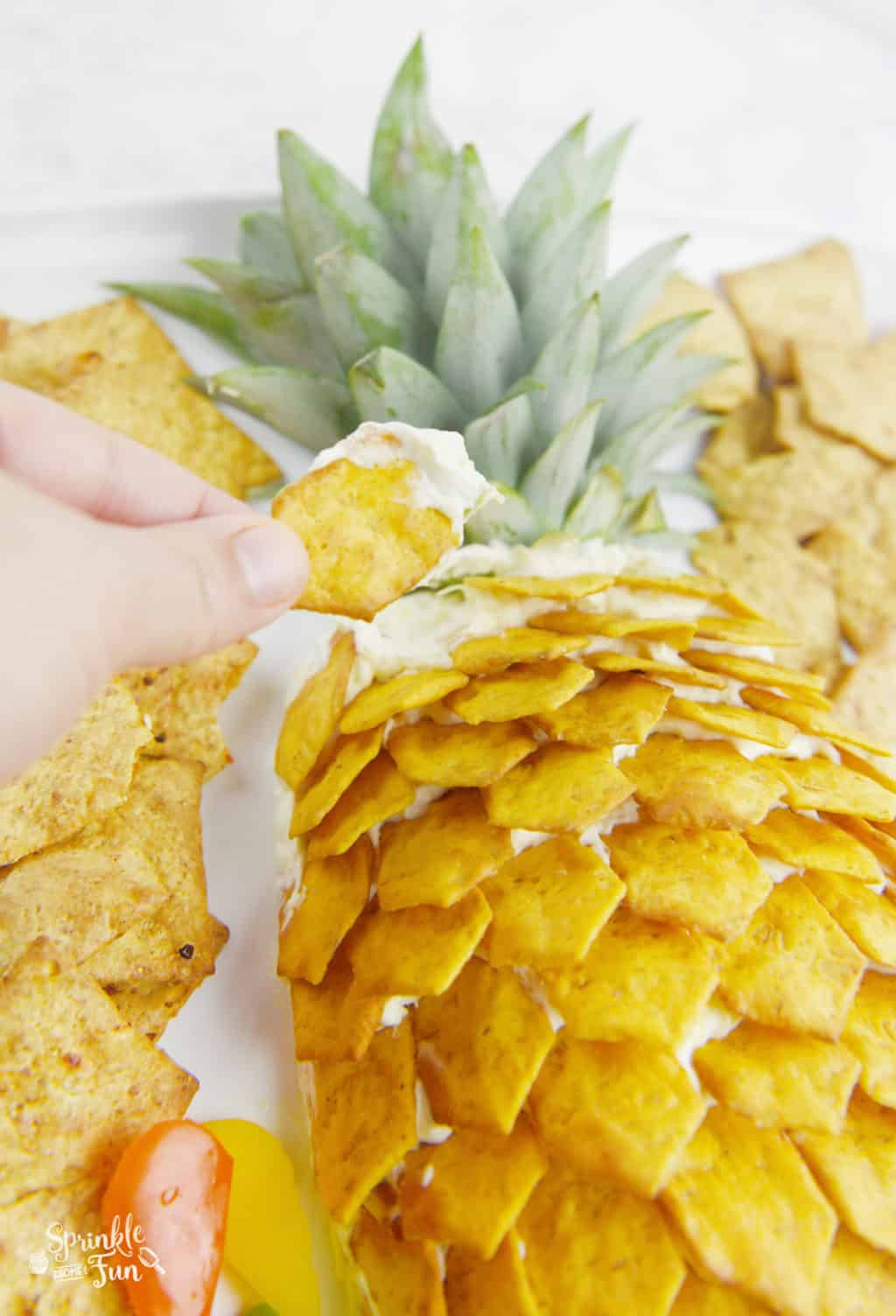 Pineapple Cheeseball Platter!! This is an easy Hawaiian themed platter!