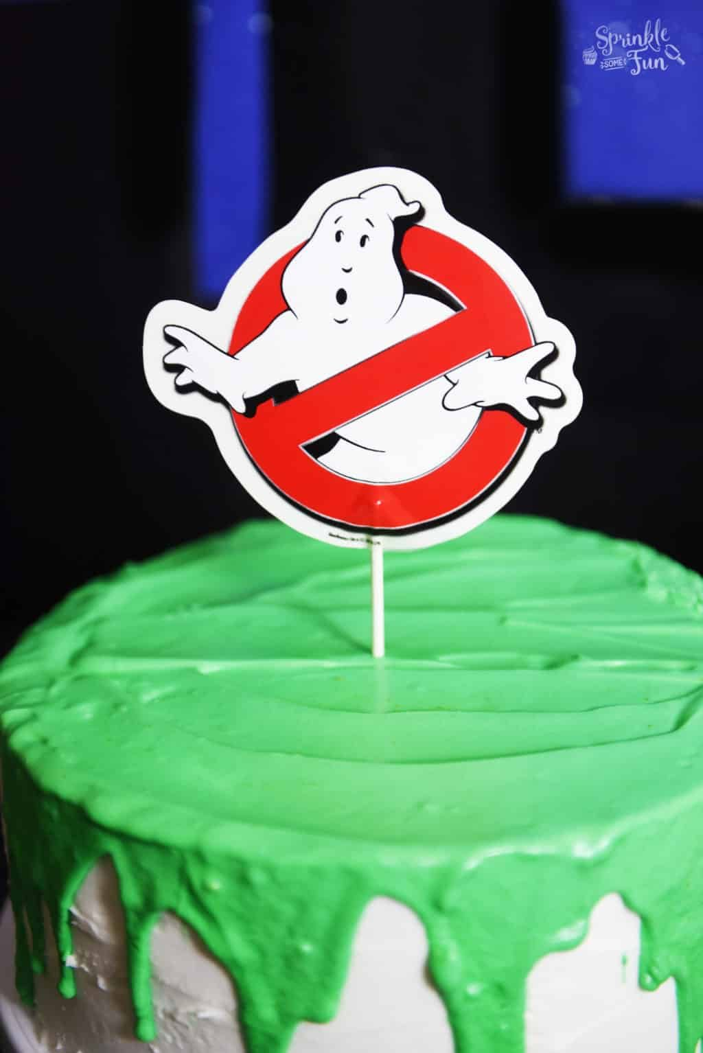 ghostbusters-glowing-slime-cake