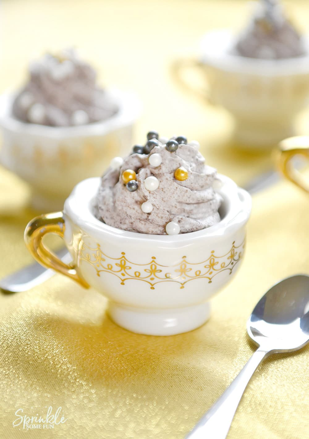 """The Grey Stuff"" Mousse in Teacups"