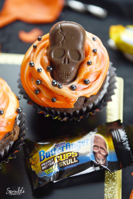 Butterfinger Skull Cupcakes ⋆ Sprinkle Some Fun