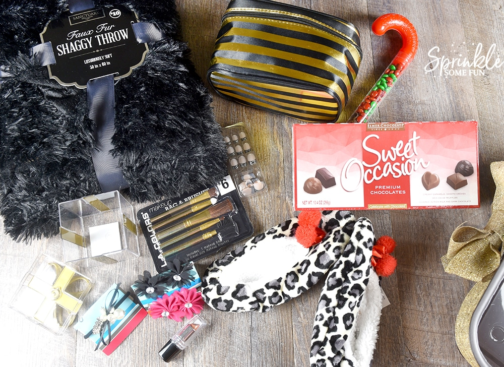 DIY Holiday Gift Basket Idea for Teen Girls ⋆ Sprinkle Some Fun