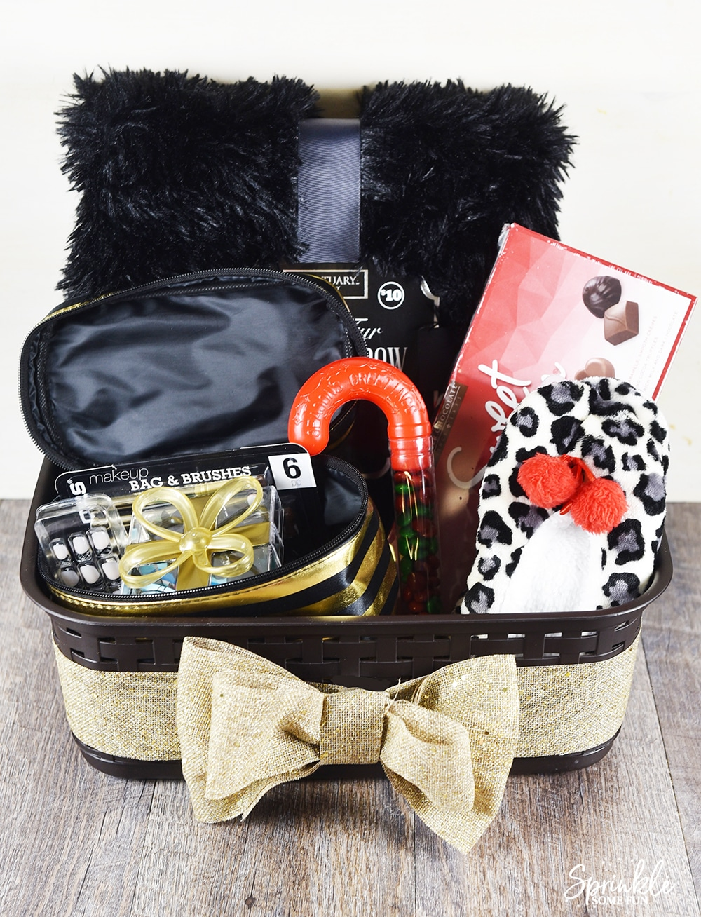 Diy holiday gift basket idea for teen girls sprinkle some fun save gift baskets are negle Images