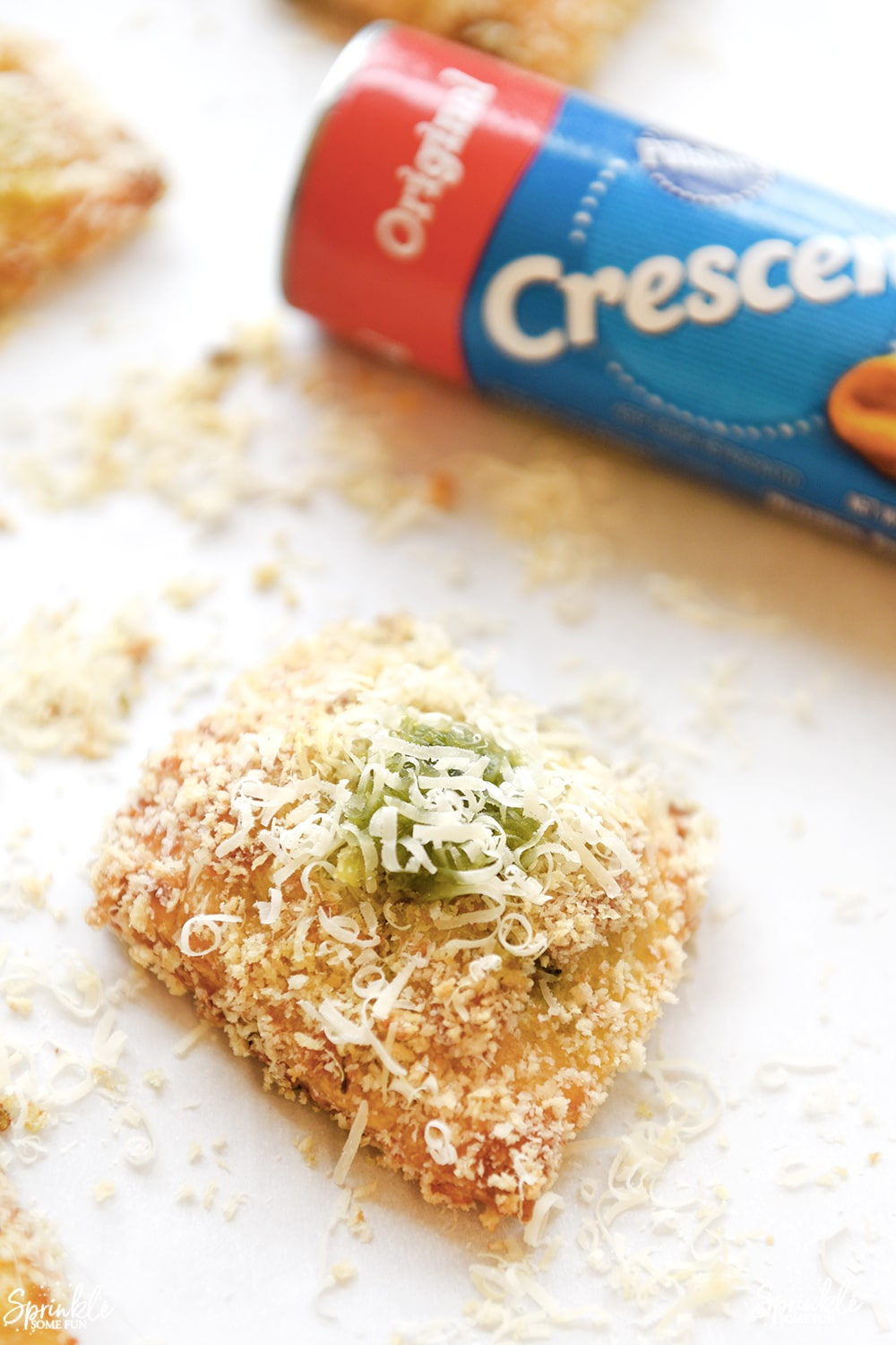 Toasted Spinach Pesto Ravioli Crescents