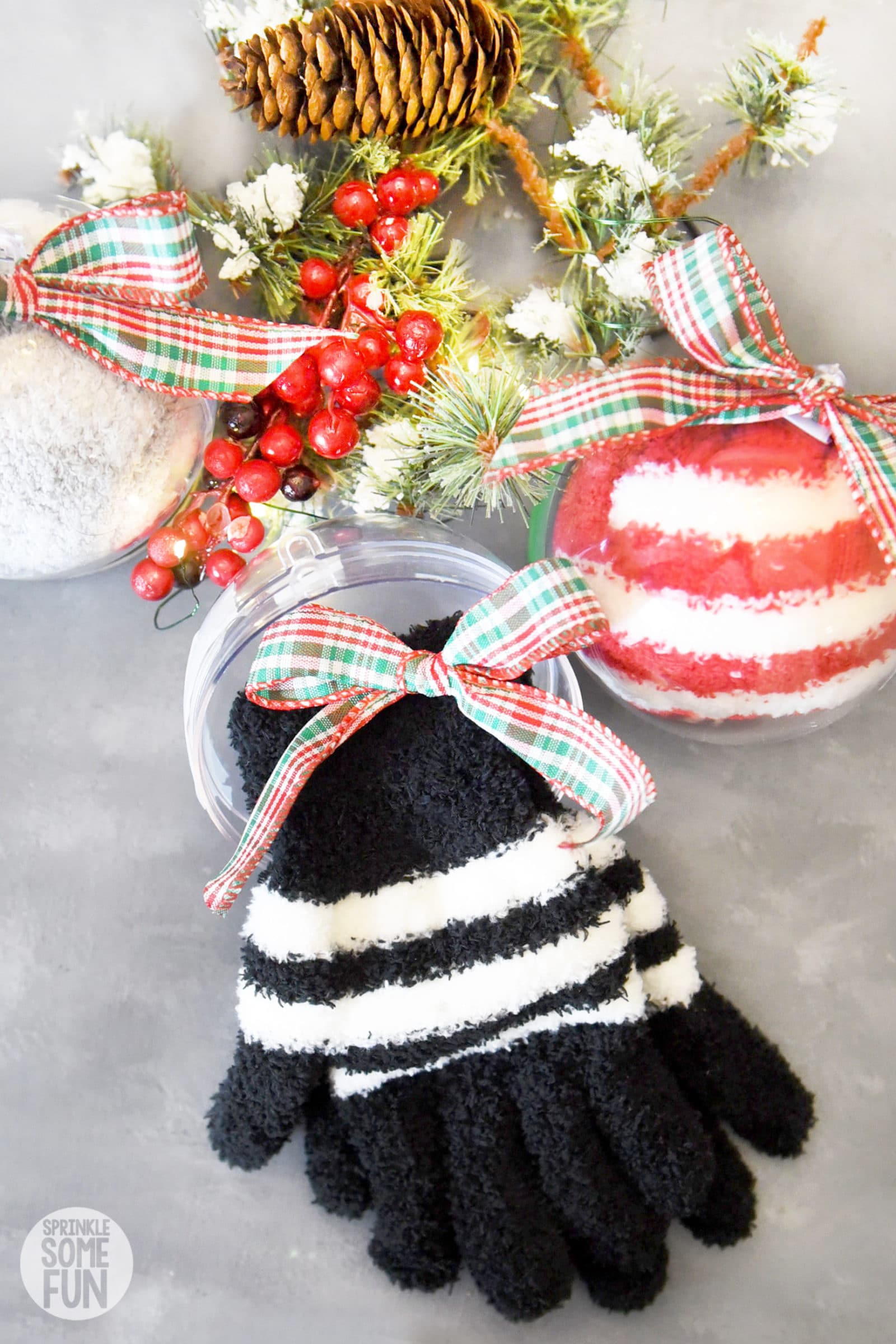 Winter Socks & Gloves Ornaments DIY gift