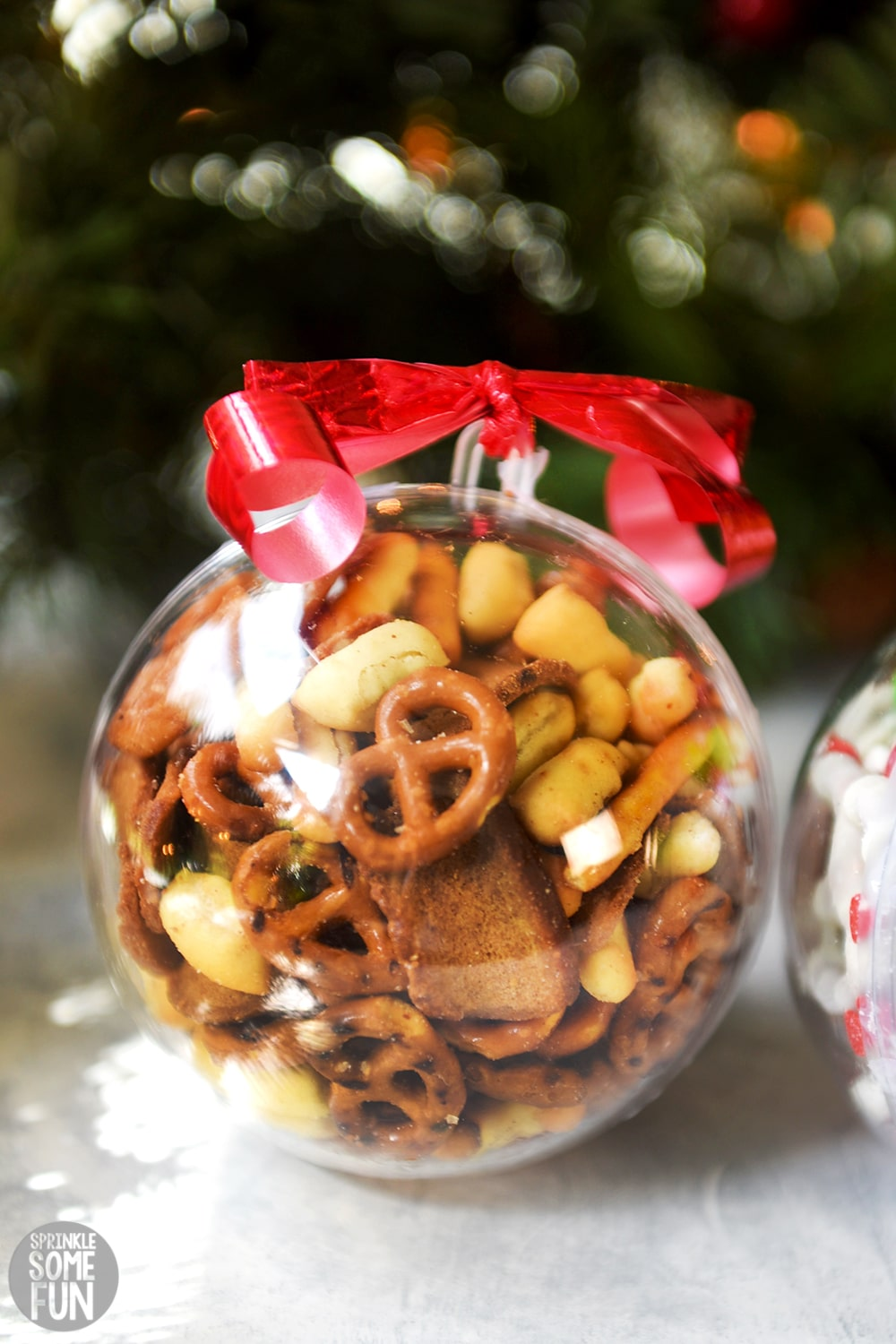 Snack Mix Ornaments ⋆ Easy Christmas Gift Idea ⋆ Sprinkle Some Fun